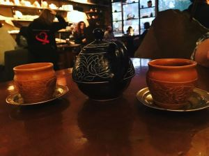 Teacups_and_conversations